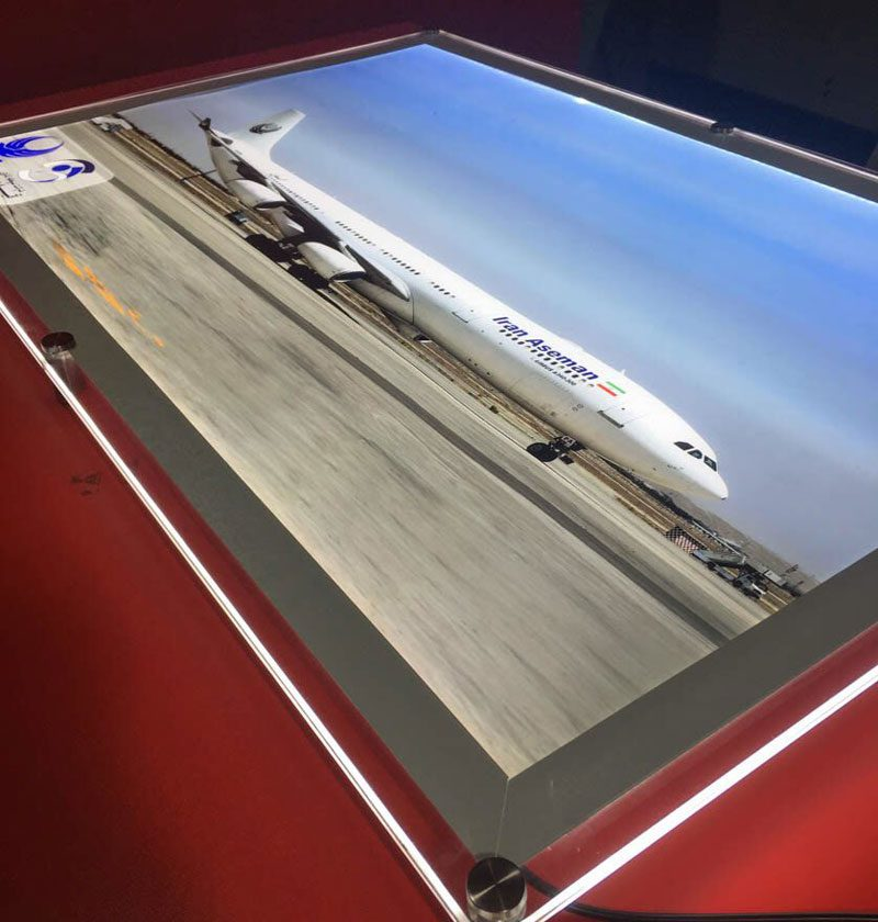 لایت باکس کریستالی دفتر فروش بلیط هواپیما