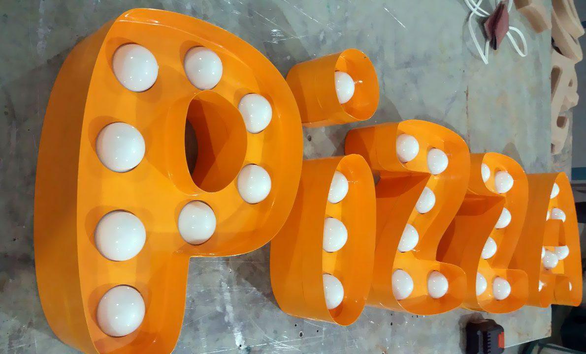 حروف برجسته فلزی رنگ کوره ای لاس وگاسی با لامپ وکیومی