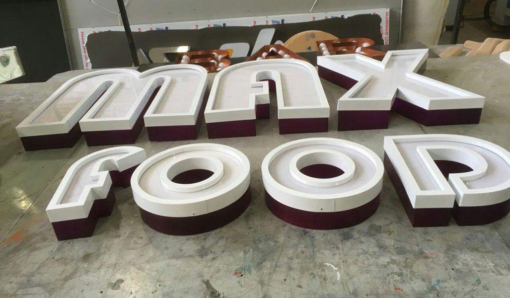 حروف ترکیبی پلاستیک با رینگ فلزی