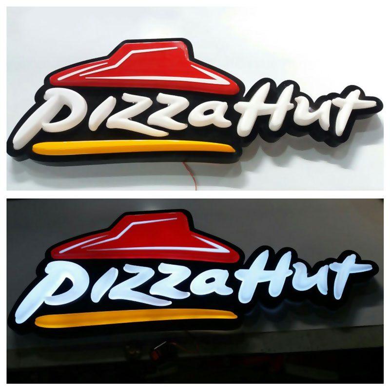 ساخت لوگوتایپ پیتزا هات و چی توز بصورت وکیوم با رینگ فلزی رنگی