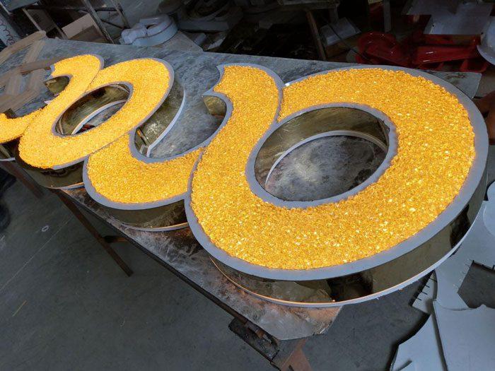 کریستال طلایی با رینگ استیل طلایی